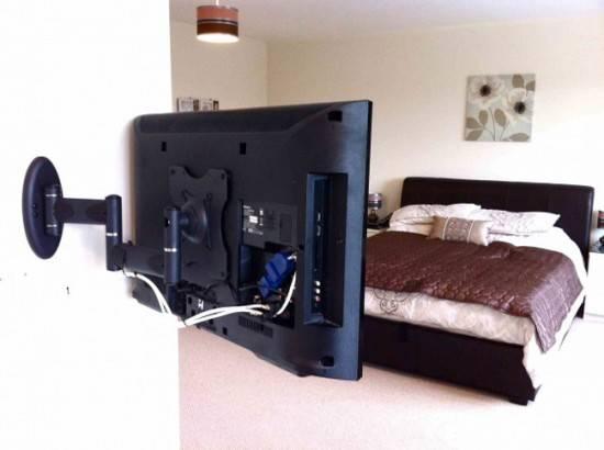 kreplenie-dlya-televizora-na-stenu-4-550x410.jpg