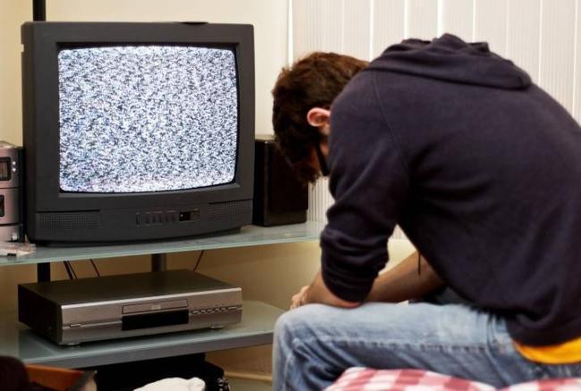 chto-delat-esli-ne-pokazyvaet-televizor-1.jpg