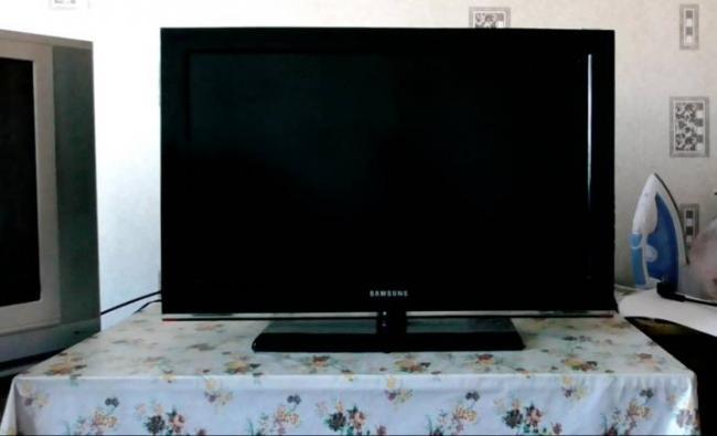 televizor-sam-vklyuchaetsya-i-vyklyuchaetsya-prichiny-i-ustranenie-problemy-1.jpg