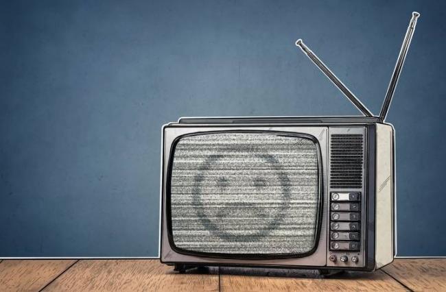 dlya-chego-televizoru-wi-fi-i-kak-k-nemu-ego-podklyuchit-1.jpg