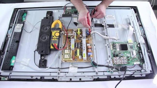 ne-vklyuchaetsya-televizor-samsung-prichiny-i-ustranenie-problemy-1.jpg