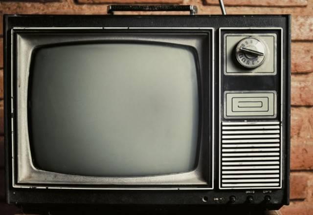 izbavljaemsja-ot-starogo-televizora-i-poluchaem-pribyl-photo-big.jpg