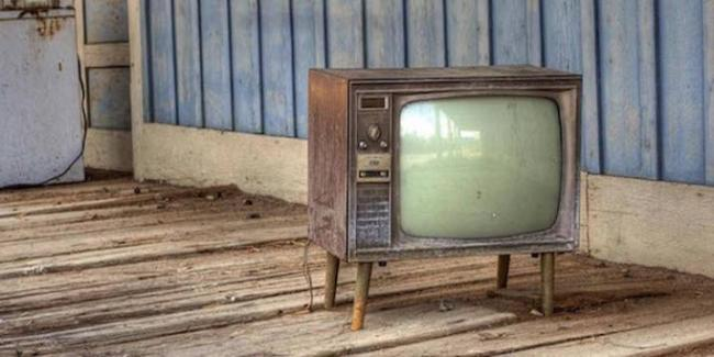 starye-televizory-kakimi-byli-i-chto-v-nih-cennogo-7.jpg