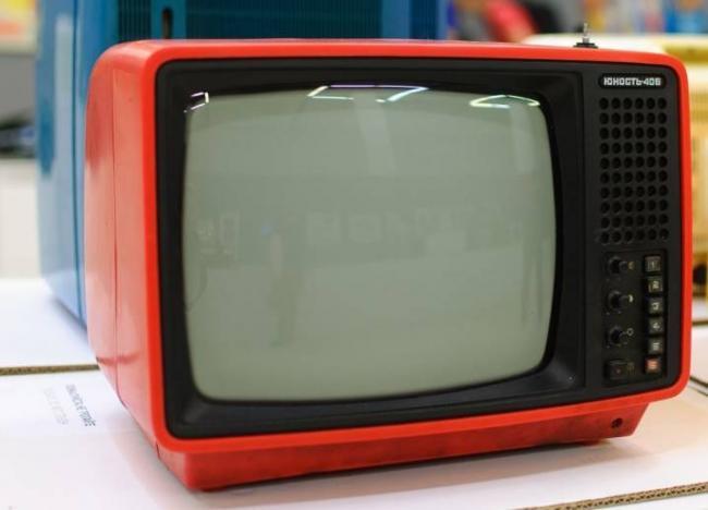 starye-televizory-kakimi-byli-i-chto-v-nih-cennogo-16.jpg