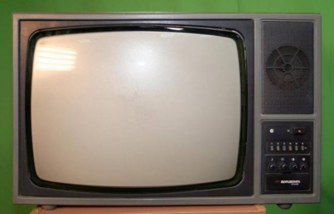 starye-televizory-kakimi-byli-i-chto-v-nih-cennogo-19.jpg