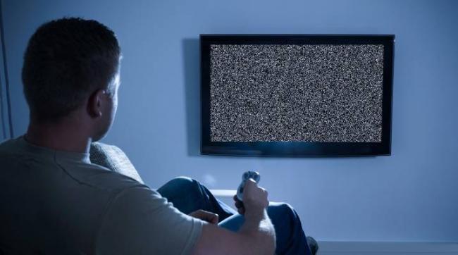 chto-delat-esli-ne-pokazyvaet-televizor.jpg