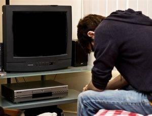 ne-vkl-televizor-300x228.jpg