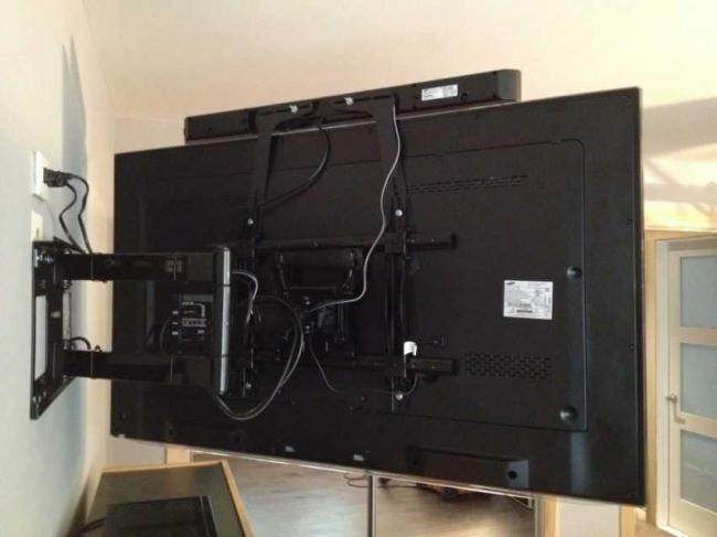 vysota-televizora-v-spalne-2.jpg