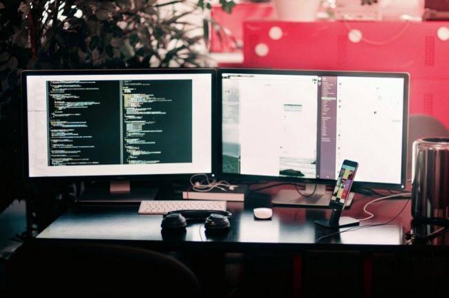 computer_computers_computer_technology_room_technology_internet_keyboard_work-563656-979x650.jpg