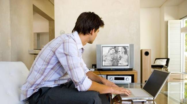 televizor-pokazyvaet-cherno-beloe-izobrazhenie-prichiny-i-ispravlenie-nepoladki-10.jpg